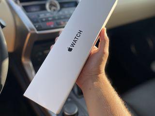 Apple Watch Se (Cellular, 40mm) Silver Aluminum Case / White Sport Band
