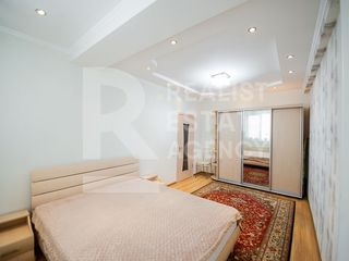 Chirie, Apartament, 2 odăi, Centru, str. Albișoara