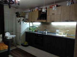 Apartament, in casa noua, dotat cu tehnica, mobila si reparatie