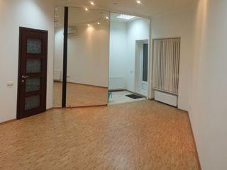 Oficiu in chirie, 39 m.p., sector Centru, str. M.Eminescu