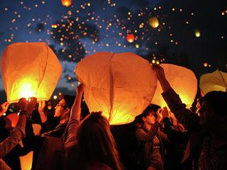 Небесные фонарики / lampioane