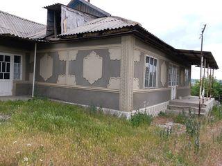 Casa 10200 euro în comuna Sireți, raionul Strășeni, pe 6 arii.