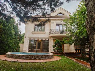 Сдаётся дом в аренду, большой двор и прекрасная локация!