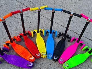 Cel mai diverse culori a trotinetelor Scooter St 21 Maxi 60 kg