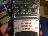 Педаль для гитары Behringer Digital Multi-FX FX600