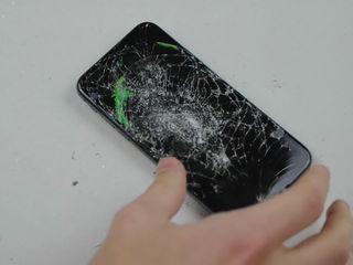 Iphone X  L-ai stricat? Nu-i nimic, adă-l la noi!
