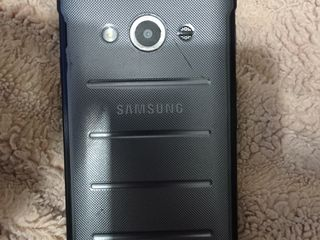 iPhone 5s și Samsung Galaxy xcover 3