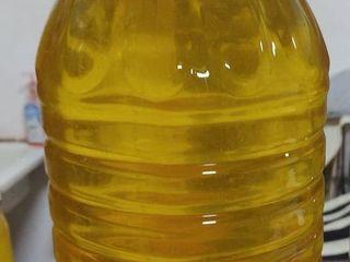 Продам подсолнечное масло ulei 28 lei Рафинированое  Vind ulei de floarea soarelui de la tara proasp