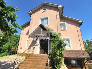 Casa cu 3 nivele, reparație+mobilă, 180 mp, 168000 € !