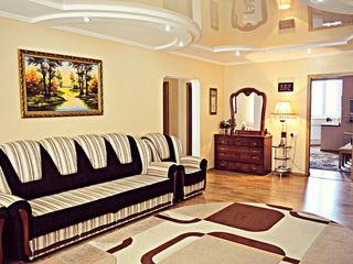 Apartament euroreparat în vânzare-4 camere, două bucătării, 93 mp., Cahul.