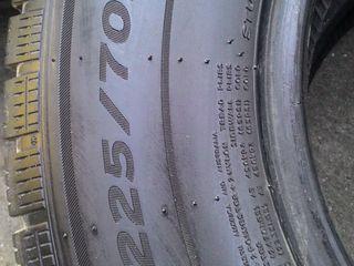 Продам   шины    зимниие    4 скаты   на   мерседес   спринтер