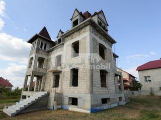 Casă cu 4 nivele, 580 mp, Dumbrava, 205000 € !