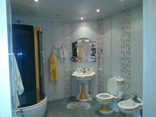 Продается новый дом в центре города Единец! С бытовой техникой и мебелью!