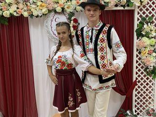 Dansatori la ceremonii cu un program artistic diversificat