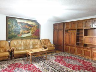 Urgent!!!/ Proprietar/ Vând Apartament cu 3 odăi/ 130m2/ Râșcani