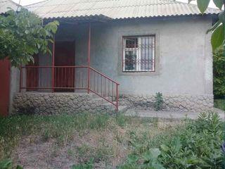 Urgent !!!! Se vinde casa in Sireti  15  соток