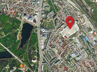 Четыре больших смежных земельных участка, расположенных в центре города, рядом с Кишиневским JUMBO.