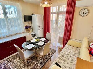 Vînd apartament în bloc nou cu debara și parcare ,  41500 euro