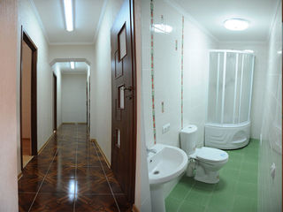Oficiu.5 birouri. Depozit (Garaj)  140000euro