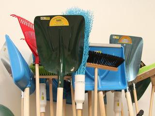 Lopeți,greble, furci, topoare, unelte pentru grădinărit și nu numai..