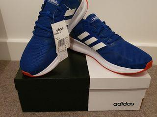 Adidas, Reebok.