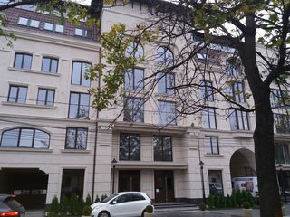 Apartament 1 odae et 3 (52m)Centru casa de elita