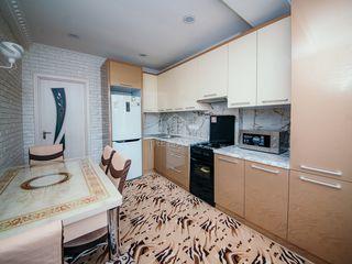 Se dă în chirie apartament Nou, cu 2 camere, amplasat în sect. Centru !