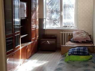 Продаю 3-х комнатную квартиру в центре