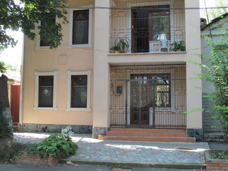 Vind casa  Chisinau Centru. Tu ai ce pierde grabestete.