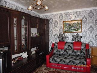 Продаётся однокомнатная квартира , с мебелью .