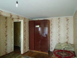 Продается 1- комнатная квартира 35 кв. м. на против восхода пластиковые окна, электропроводка поменя