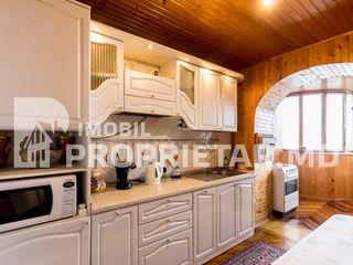 Spre vînzare apartament cu 4 odăi, 90 m2, sect. Centru, str. Romană