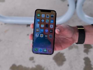 Apple iPhone 12 Pro L-ai stricat? Nu-i nimic, adă-l la noi!
