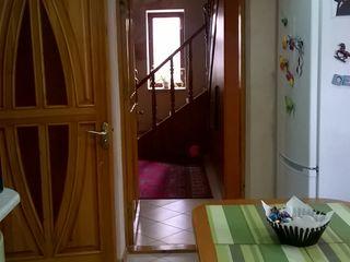 Posibil schimb pe apartament cu 3 sau 4 camere +bani