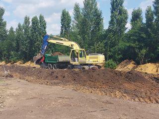 Oferim servicii cu excavator pe roti