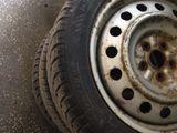 Зимняя резина dunlop r16/195/55+железные диски prius!!!