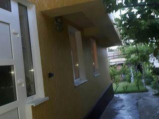 Casa   de vanzare !!!         al doilea nivel se poate de folosit separat!!!