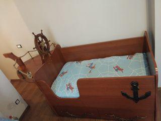 Детская кровать в форме кораблика для детей от 1 годика до 6 лет