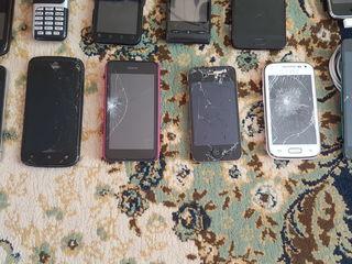 27 телефонов + Плееры