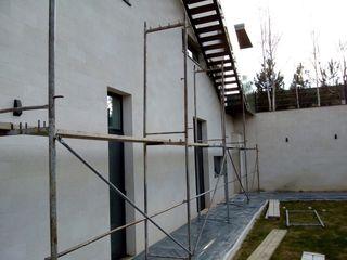 Reparatii fasade din piatra naturala./ Фасад из натурального камня. Ремонт / Реставрация.