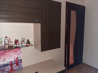 Vand apartament cu 3 camere Ungheni