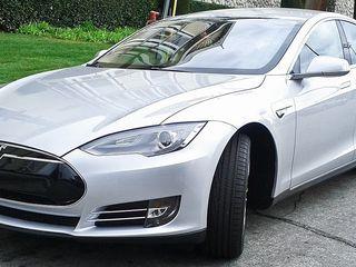 Tesla model S P85 2014 или привезем Авто из США 1600$ до Кишинева