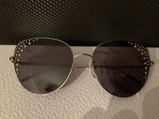 Оригинальные новые солнцезащитные очки Furla. Покупали в Англии в подарок, не подошел размер.