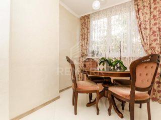 Chirie  Apartament cu 1 cameră, Centru,  str. Dimitrie Cantemir, 300 €