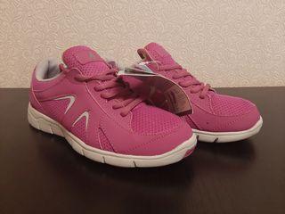 Новые фирменные кроссовки!