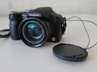 Aparat foto Panasonic Lumix DMC-FZ8