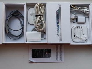 Se vinde cutie de la iphone SE,5/6S 16/64 gb