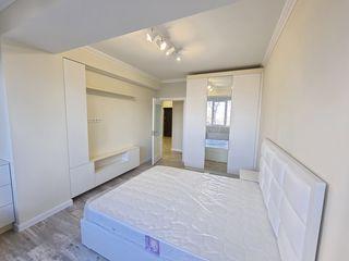 Eurolux Mobilat la cheie!! 3-camere 89mp, 2-blocuri sanitare, reparatie euro, zona verde Telecentru!