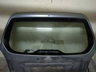стекло багажника Опель Зафира.