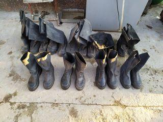 Продам мужскую обувь и стельки